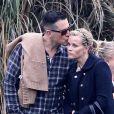 Reese Witherspoon, et son mari Jim Toth, un couple heureux. A Brentwood le 8 décembre 2012.