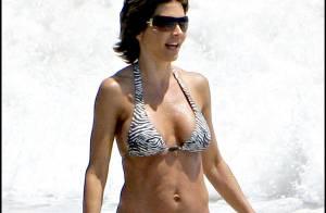 PHOTOS : Lisa Rinna, à la plage et en famille, mais toujours sexy !