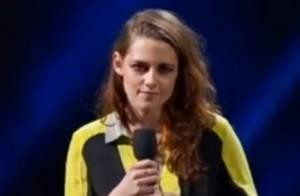 Kristen Stewart : Un émouvant discours... dans une tenue bien étrange