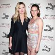 Kirsten Dunst et Kristen Stewart posent ensemble à la première new-yorkaise de Sur la route, le 13 décembre 2012.