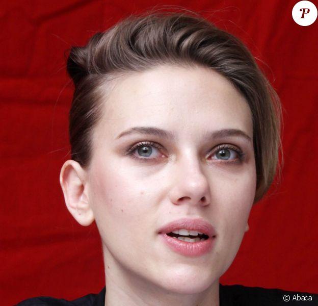 Scarlett Johansson le 19 novembre 2012 à Los Angeles.
