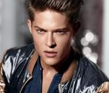 Cesar Casier dans la campagne Armani Exchange