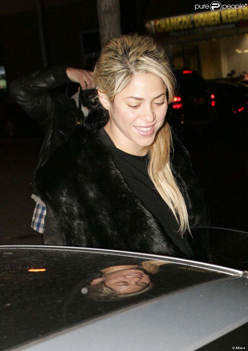 Shakira à Barcelone, quelques jours avant d'accoucher, le 16 décembre 2012.
