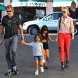 Johnny Hallyday, Laeticia et leurs filles à Los Angeles, le 27 septembre 2012.