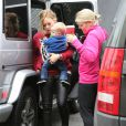 Hilary Duff et son fils Luca vont faire du shopping à West Hollywood, le 12 décembre 2012.