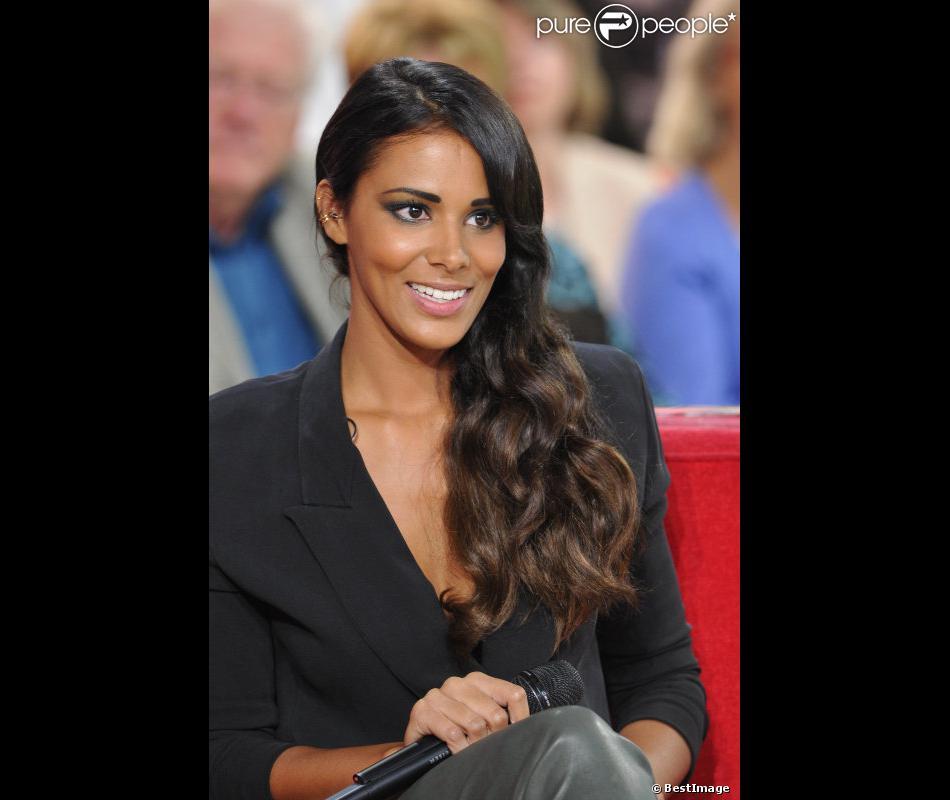 La belle Shy'm à l'enregistrement de l'émission Vivement Dimanche à Paris, le 26 septembre 2012.
