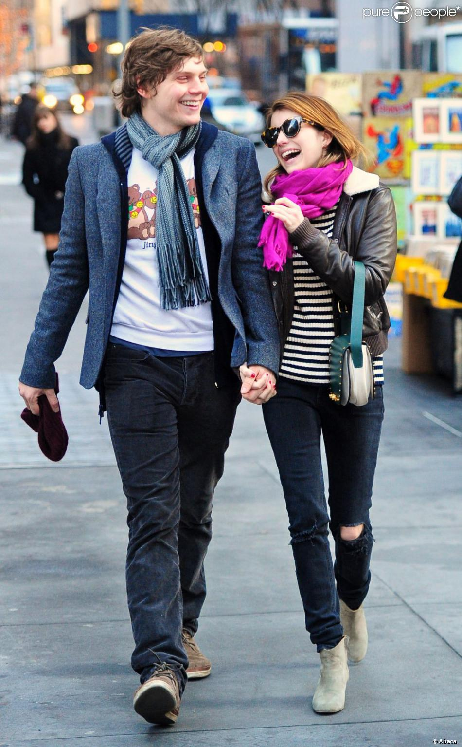 Evan Peters couple