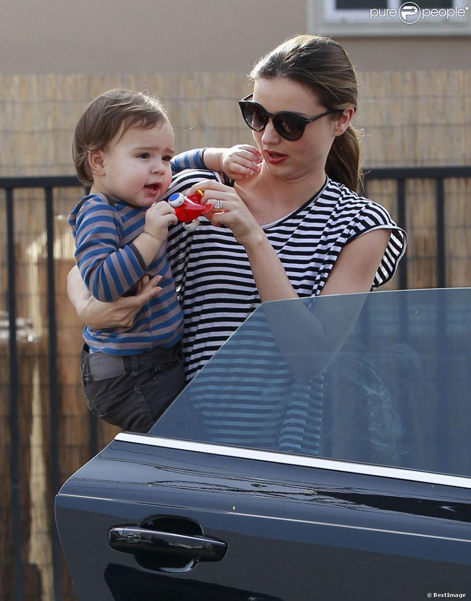 Miranda Kerr et son fils Flynn, complices à Los Angeles le 9 janvier 2012