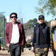Gwen Stefani, Gavin Rossdale, leurs fils Kingston et Zuma, et leur chien, sont allés faire une promenade à Runyon Canyon sur les hauteurs de Los Angeles. La soeur de Gavin Rossdale, Soraya, est venue les rejoindre. Photo prise le 12 janvier 2013 à Los Angeles. Le couple qui voit régulièrement un conseiller conjugal semble aller bien.