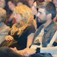 Au côté de son amoureux Gerard Piqué, Shakira, enceinte de huit mois, prenait part le 14 janvier 2013 à la Maison du Livre de Barcelone à la présentation du nouveau livre de son père William Mebarak,  Al Viento y el azar , en présence de sa mère Nidia Ripoli, de son frère Tonino, et des parents du footballeur du Barça, Joan et Montserrat.