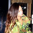Rihanna tente de faire profil bas à la sortie d'un studio d'enregistrement à Los Angeles où elle retrouvait Chris Brown. Le 17 janvier 2013.