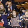 Le prince héritier Frederik de Danemark et la princesse Mary avec leurs quatre enfants, Vincent, Christian, Isabella et Josephine, lors d'un concert de Noël à Copenhague le 16 décembre 2012.