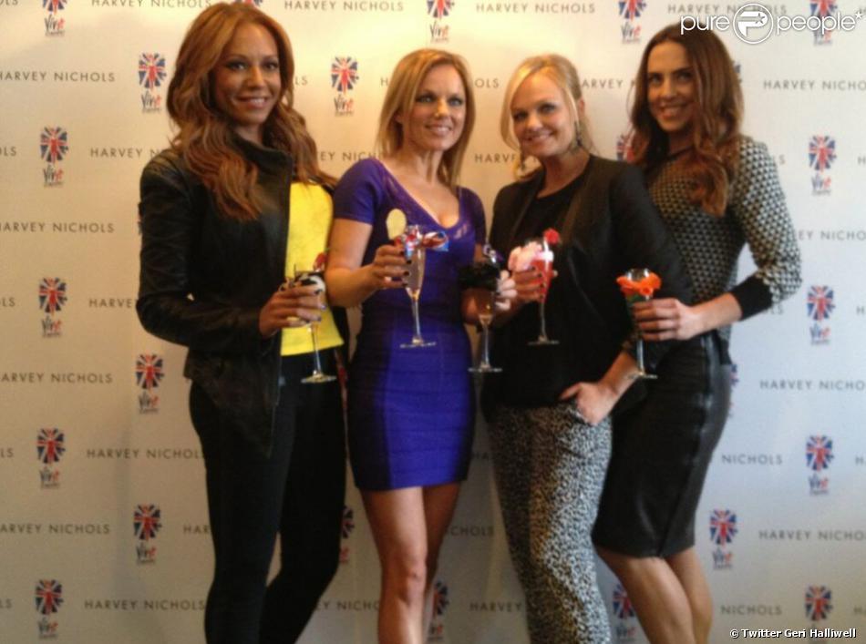 Geri Halliwell a posté une photo de sa soirée avec les Spice Girls, le 5 février 2013.