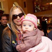 Mira Sorvino : Premières images de sa fille Lucia, 9 mois