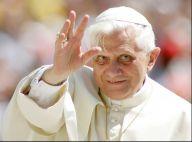 Benoît XVI : Le pape annonce sa démission, le Vatican sous le choc
