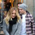 Hilary Duff et son mari Mike Comrie dans un centre commercial à Los Angeles, le 16 décembre 2012.