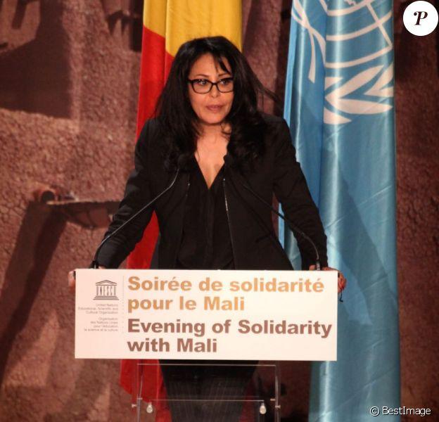 Exclusif - Yamina Benguigui (ministre déléguée en charge des Français de l'étranger et de la Francophonie) lors de la soirée de solidarité pour le Mali à l'Unesco à Paris, le 18 février 2013. La ministre s'est exprimée sur la destruction du patrimoine culturel du pays et l'aide de la France.