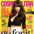 Kim Kardashian en couverture du magazine Cosmopolitan pour le mois d'avril 2013.