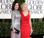 Emily Mortimer et Alison Pill aux Golden Globe Awards à Los Angeles, le 13 janvier 2013.