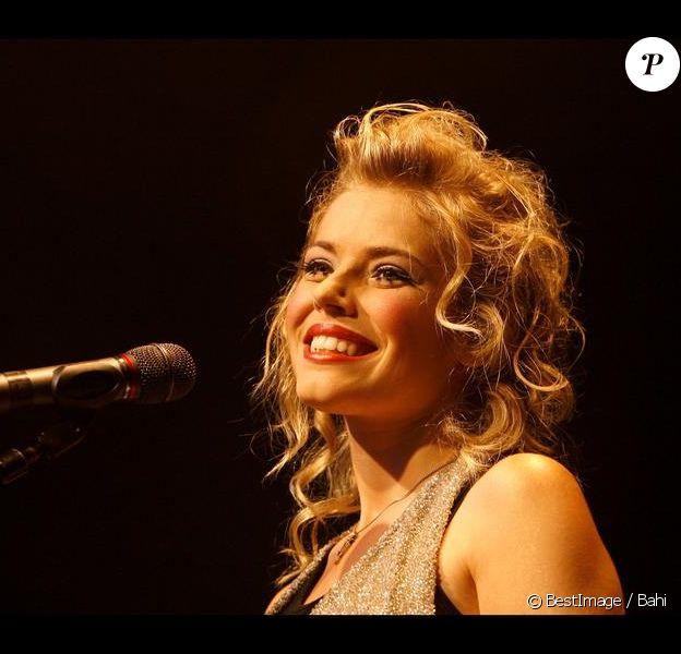 Emma Daumas lors de son concert à L'Elysée Montmartre en 2007.