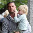 Naomi Watts et Liev Schreiber accompagnés de leurs enfants Sasha et Kai se sont offert un petit restaurant en famille du côté de Brentwood le 16 mars 2013