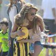 La belle chanteuse Britney Spears a assisté samedi 17 mars au match de football de ses deux garçons Jayden et Sean, dans le quartier de Encino à Los Angeles. Un peu plus tard, le papa des deux enfants, et ex-compagnon de la chanteuse, Kevin Federline, est venu assister à l'événement.