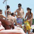 David Villa à Ibiza en famille en juillet 2008. Le 28 janvier 2013, le footballeur espagnol, déjà père de deux fillettes, a eu avec sa femme Patricia un garçon, Luca.