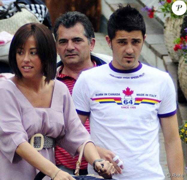 David Villa en famille en Autriche en juin 2008. Le 28 janvier 2013, le footballeur espagnol, déjà père de deux fillettes, a eu avec sa femme Patricia un garçon, Luca.