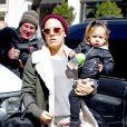Pink est en virée shopping avec sa fille Willow à New York, le 22 mars 2013.