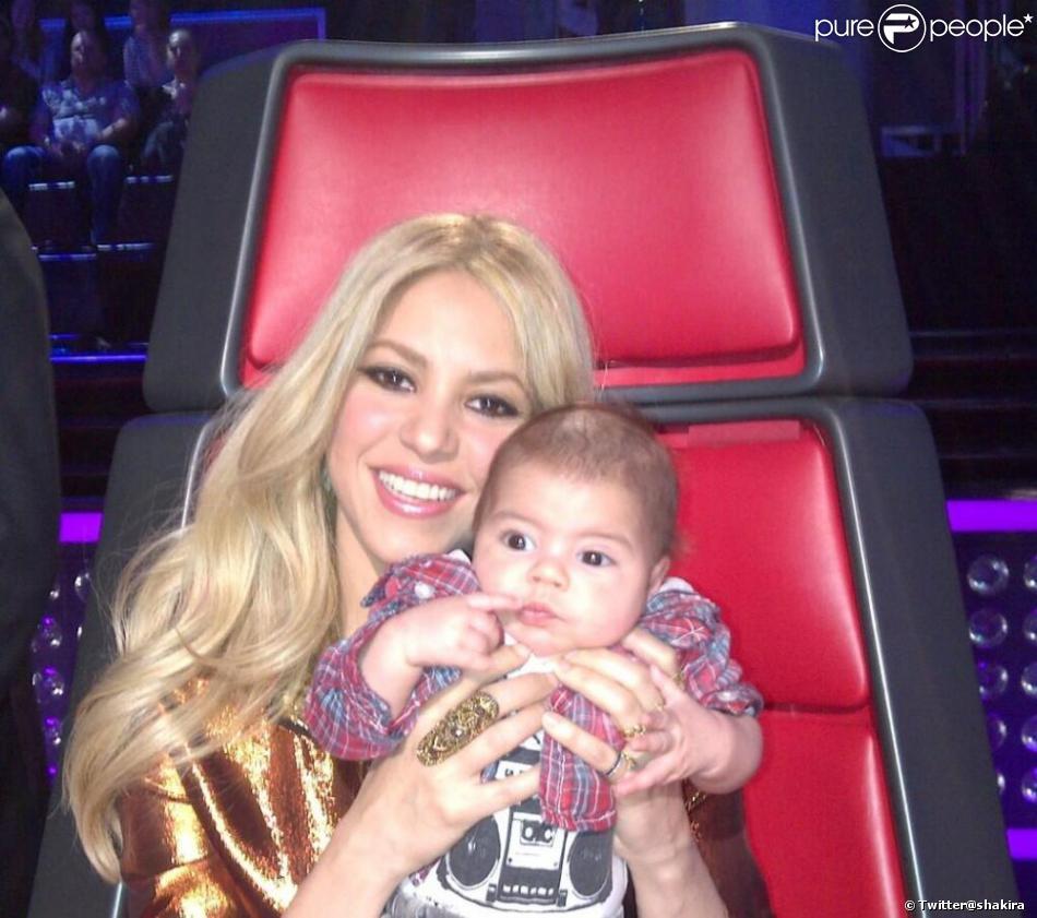 Shakira et son adorable petit Milan lors de l'enregistrement de l'émission The Voice à Los Angeles dans la semaine du 8 avril 2013