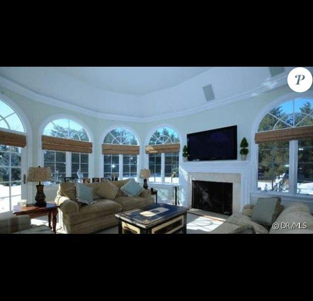 L'acteur américain Christopher Meloni a mis en vente sa demeure située dans le Connecticut huit mois après l'avoir achetée.