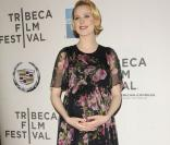 Evan Rachel Wood, sublime future maman face au baby-bump de Busy Phillips
