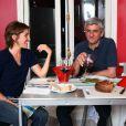 Exclusif- Hervé Morin et sa compagne Élodie Garamond à leur domicile parisien, le 2 mai 2011.