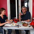 Exclusif - Hervé Morin et sa compagne Élodie Garamond à leur domicile parisien, le 2 mai 2011.