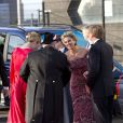 Maxima et Willem-Alexander prêts à embarquer pour la parade aquatique précédant le banquet final de l'intronisation du fils de la princesse Beatrix, le 30 avril 2013 à Amsterdam.