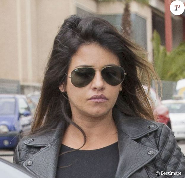 Monica Cruz, enceinte de son premier enfant, fait du shopping à Madrid. Le 30 avril 2013.