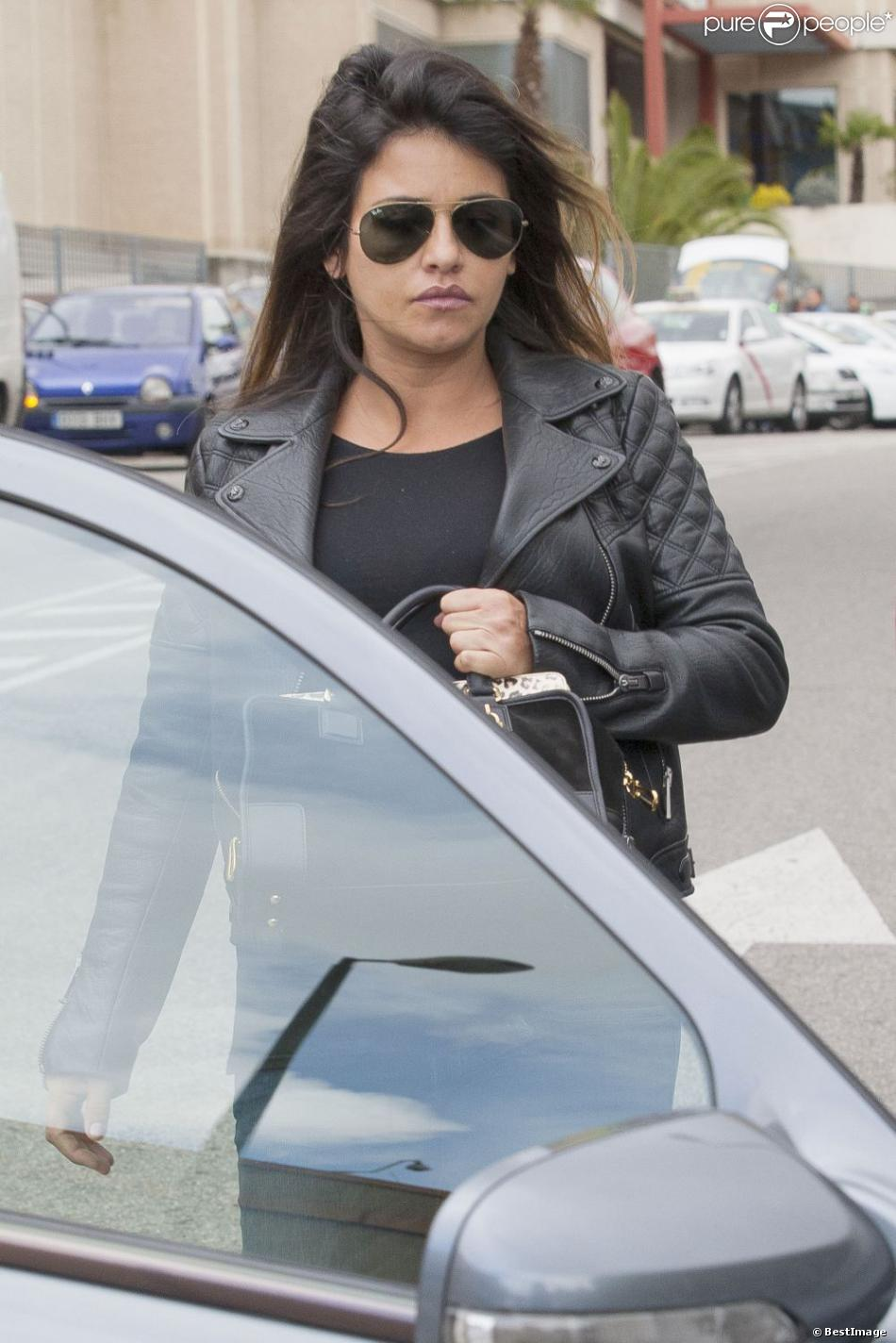 Monica Cruz, enceinte de son premier enfant, fait du shopping à Madrid. Le 30 avril 2013.
