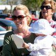 Autumn Phillips avec sa petite Isla, 1 an, encourageaient le 5 mai 2013 Zara Phillips, engagée sur High Kingdom dans le concours complet de Badminton. Mais la cavalière royale a abandonné après une faute dans l'épreuve de cross country.