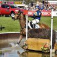 Zara Phillips, sur High Kingdom, a été obligée de se retirer samedi 5 mai 2013 du concours complet de Badminton après une faute sur un obstacle d'eau lors du cross country...