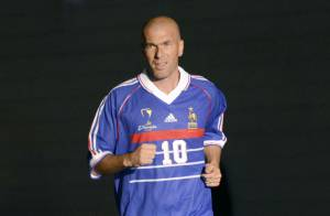 Zinédine Zidane et les Bleus de France 98 : Hommage au PSG et match entre amis