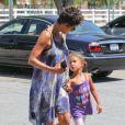 Après l'école, Halle Berry a fait du shopping avec sa fille Nahla à Los Angeles, le 14 mai 2013.