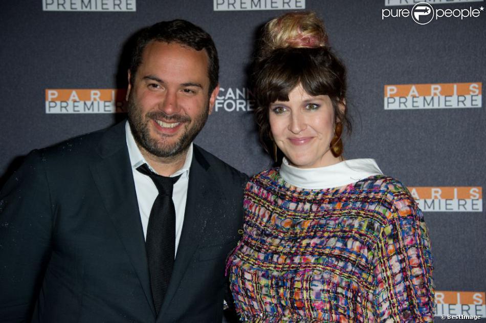 Bruce Toussaint et Daphné Bürki enceinte lors de la soirée Paris Première à la Plage Chivas à Cannes, le 16 mai 2013.
