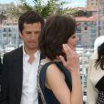 Guillaume Canet et Marion Cotillard pendant le photocall du film Blood Ties au 66e Festival du film de Cannes, le 20 mai 2013.