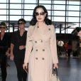 Dita Von Teese quitte l'aéroport de Los Angeles, le 17 mai 2013.
