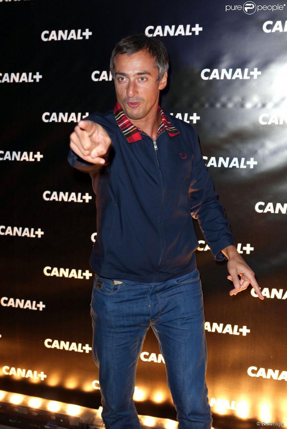 Sébastien Thoen pose à la soirée Canal + en septembre 2012.