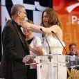 Léa Seydoux, Abdellatif Kechiche et Adèle Exarchopoulos en larmes lors de la cérémonie de clôture du 66e Festival de Cannes, le 26 mai 2013.
