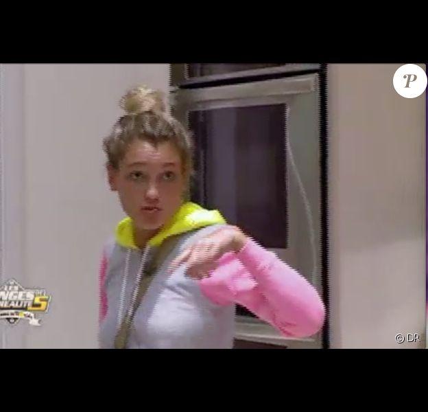 Aurélie en colère dans les Anges de la télé-réalité 5, mardi 28 mai 2013 sur NRJ12