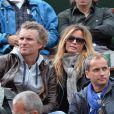 Denis Brogniart et sa femme Hortense assistent amoureux au match de Gaël Monfils au 2e Tour des Internationaux de France de tennis de Roland Garros le 29 mai 2013