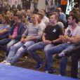 Tito Villanova, Carles Puyol, Xavi, Victor Valdés, Andrés Iniesta, Cesc Fabregas et Gerard Piquélors de la conférence de presse d'adieu d'Eric Abidal à Barcelone le 30 mai 2013