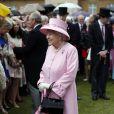 La reine Elizabeth II lors de la deuxième garden party de l'année à Buckingham Palace le 30 mai 2013.
